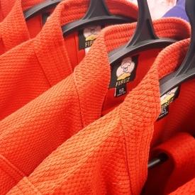 Куртка для самбо, красная (130-190)
